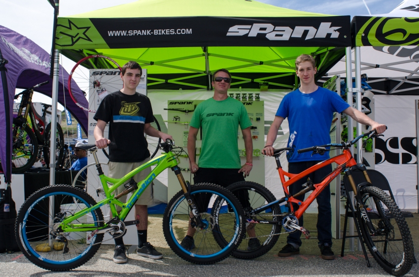 Mike with a couple of Madkats riders who came over to show off their bikes after outfitting them with Spank products.