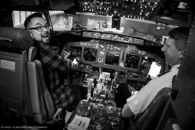 Thanks to Devin I got to board the plane extra early and jump into the pilot's seat as well as see a cockpit for the first time ever!!